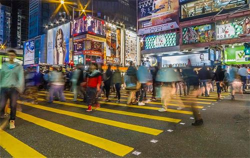去香港工作需要先符合什么条件?