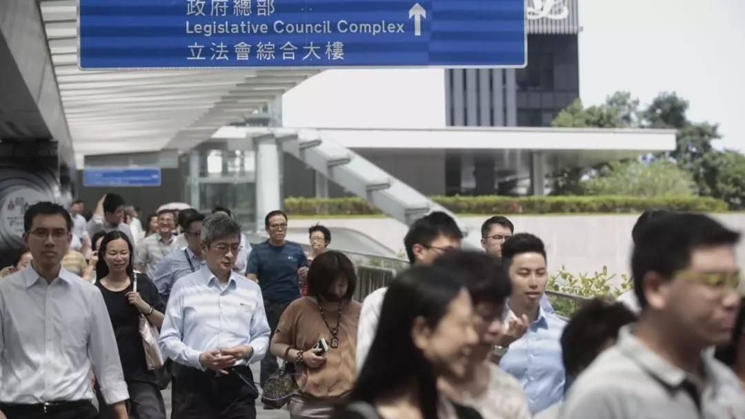 移居香港后,内地户口保留问题