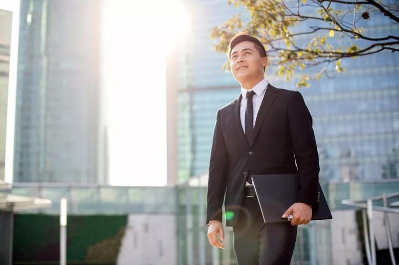 专才成功案例   H先生为子女教育移居香港,银河助力成功获批!