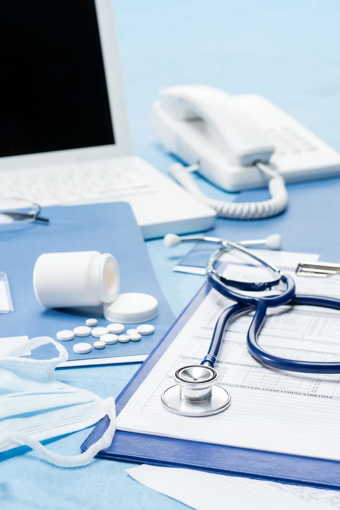 我是一名医生,说说我对香港医疗的看法,香港疫情为何大爆发