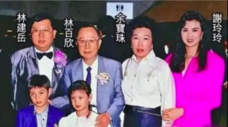 群嘲上海伪名媛群!来看这些香港身价超百亿的真名媛生活
