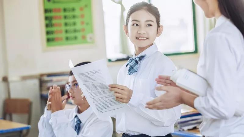 香港高考(DSE)作文VS内地高考作文,你觉得哪个更简单?