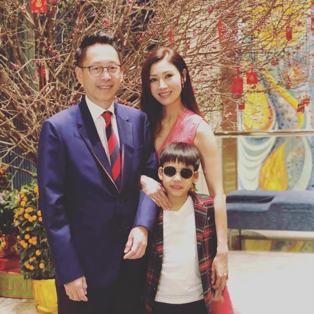 和官二代做朋友!和星二代做闺蜜!香港明星父母都给孩子选哪些国际学校?