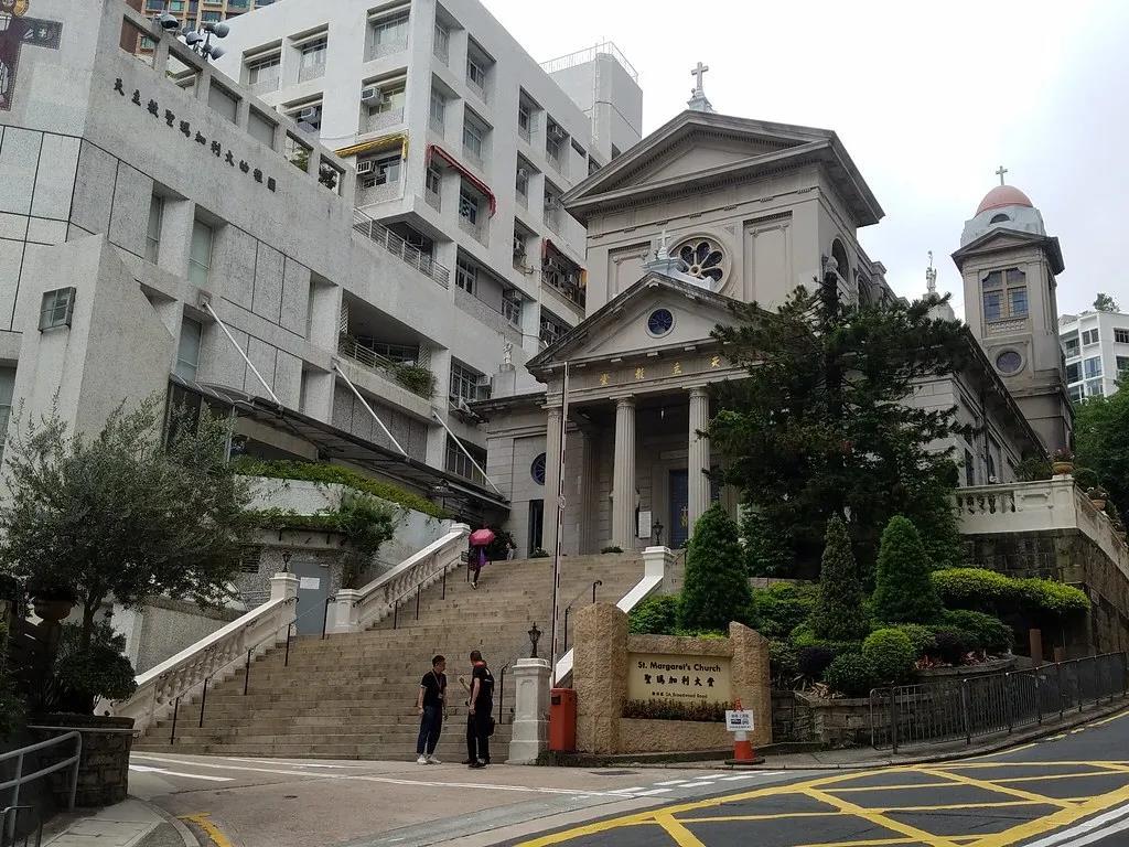 香港弹丸之地,被殖民百年,为何会有这么多知名大学?